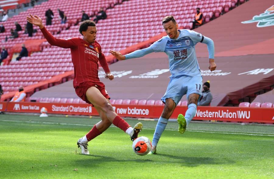 Liverpool empata ante el Burnley y se complica llegar a los 100 puntos