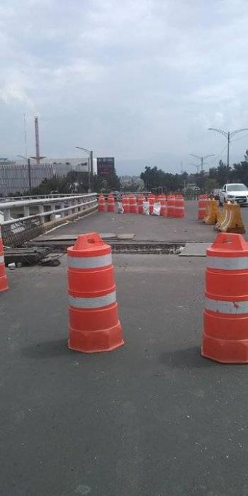 Obras en puente vehicular de Periférico-Canal de Garay