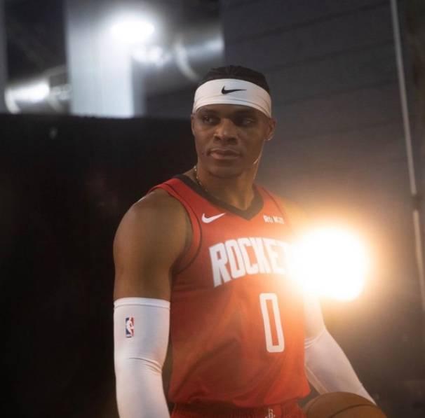 Russell Westbrook de los Rockets, da positivo a Covid-19