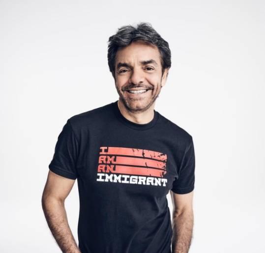 Julio Esteban fue un homenaje a Walter Mercado, dice Derbez; lo critican en redes
