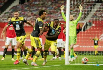 Manchester United se complica el pase a la Champions League