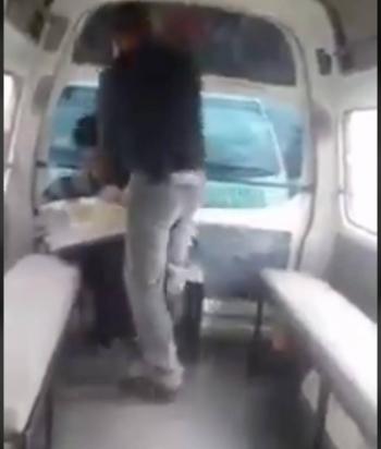 Chiapas: Chofer golpea a vendedor ambulante y discapacitado, no tenía para el pasaje