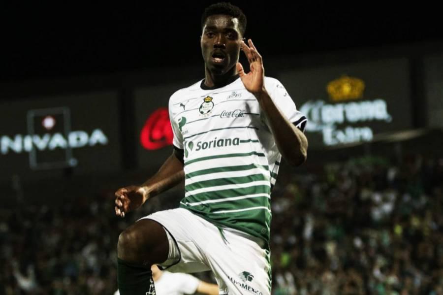 Afición pide el regreso de Djaniny Tavares a Santos