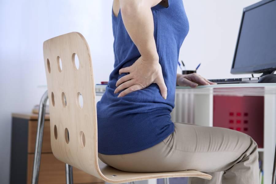 El uso de computadoras y dispositivos móviles en casa aumenta riesgo de padecer dolor lumbar