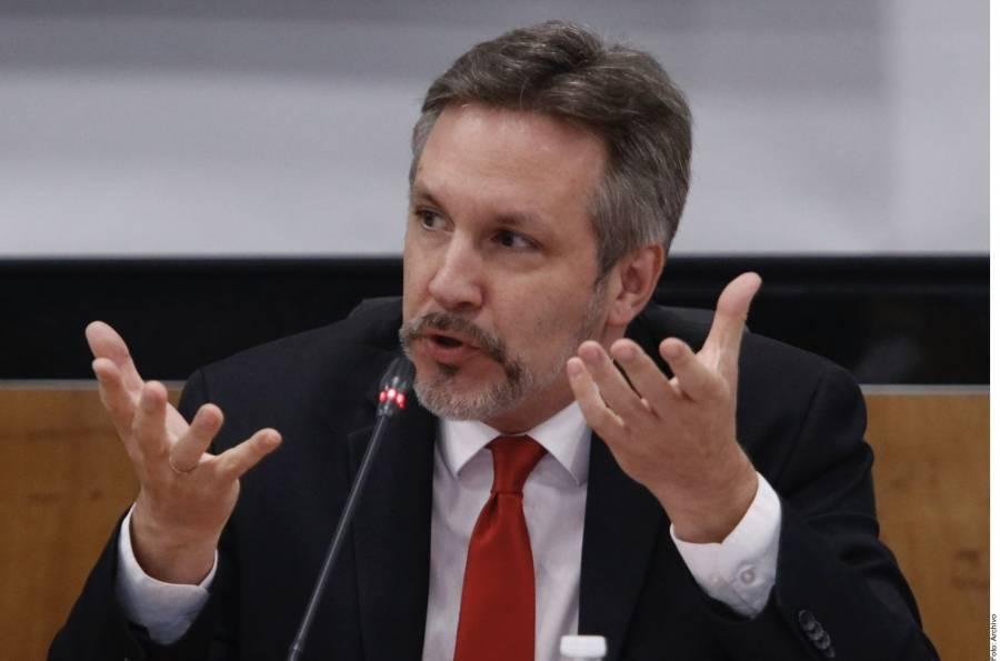 Ackerman denuncia sesgo en elección para consejeros del INE