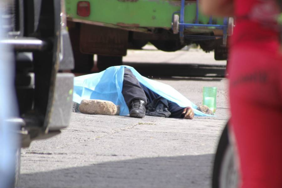 Rateros matan a pasajero en Coacalco