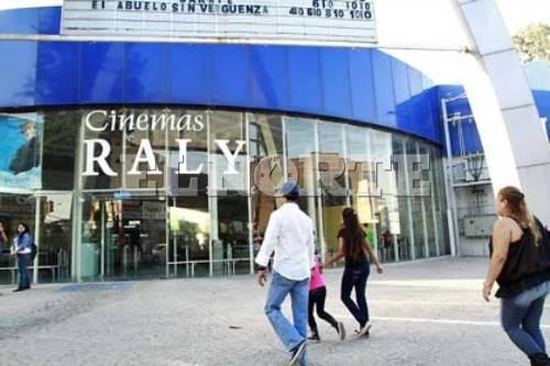Cine Raly de NL pone a la venta snacks para subsistir ante covid-19