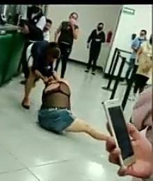Mujer agrede a empleados y clientes de Banco Azteca, le pusieron un alto