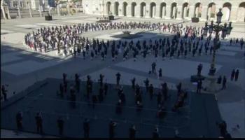 Víctimas Covid-19 honrados con ceremonia solemne en España