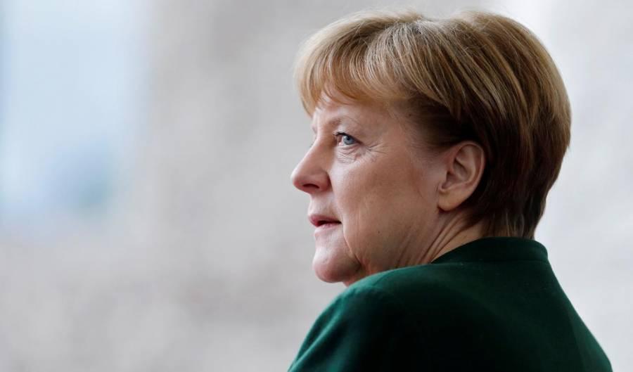 Cumple Angela Merkel 66 años más 'requerida' que nunca, según medio alemanes