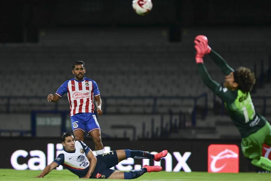 Chivas se lleva el clásico nacional, enfrentará a Cruz Azul