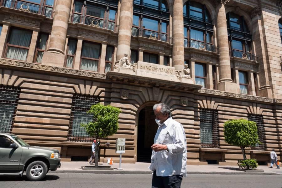 Banxico prevé crisis económica prolongada por caída del PIB