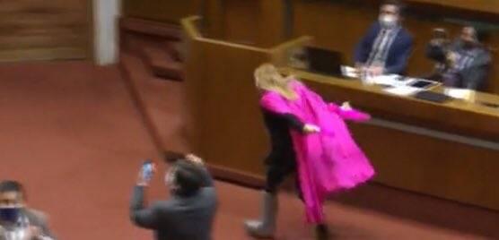 Video: Diputada corre como