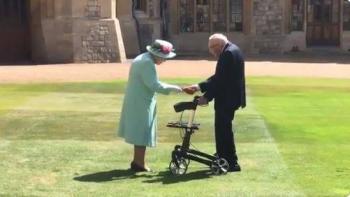 Reina Isabel II nombra caballero a veterano que recaudó fondos para atender Covid-19