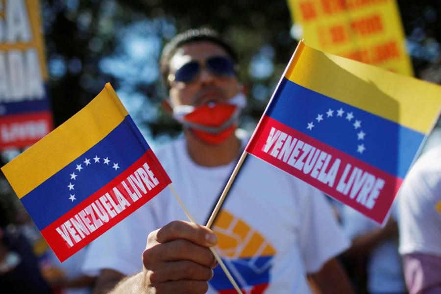 Joven muere baleado en Venezuela en protesta por gasolina