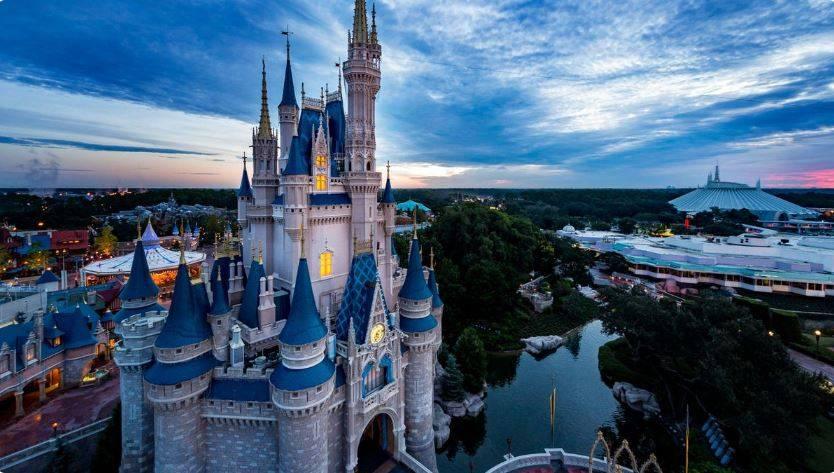 Disney reduce drásticamente su publicidad en Facebook