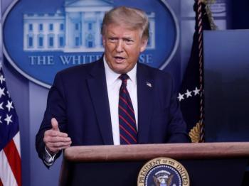 Trump advierte que el virus empeora e insta a usar mascarillas