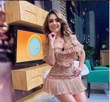 Tania Gómez sorprende a sus usuarios de Instagram con sensacional outfit