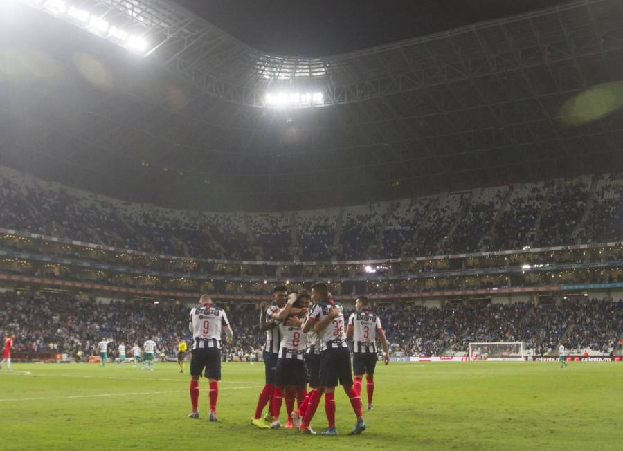 Futbolista e integrantes de Monterrey dan positivo a Covid-19