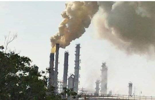 Video: Refinería de Salamanca sufre posible fuga de azufre