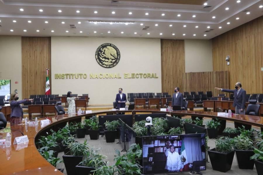 Rinden protesta 4 nuevos consejeros del INE
