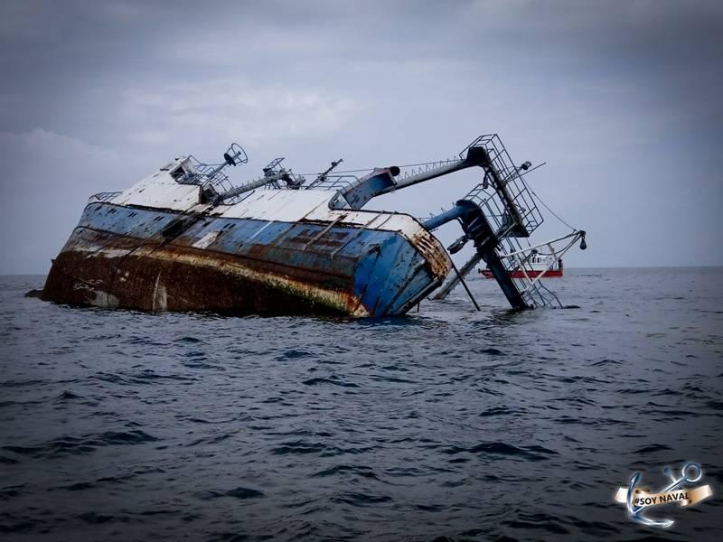 Semar crea arrecife artificial en Manzanillo hundiendo un barco