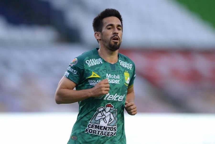 Fernando Navarro, positivo por Covid-19