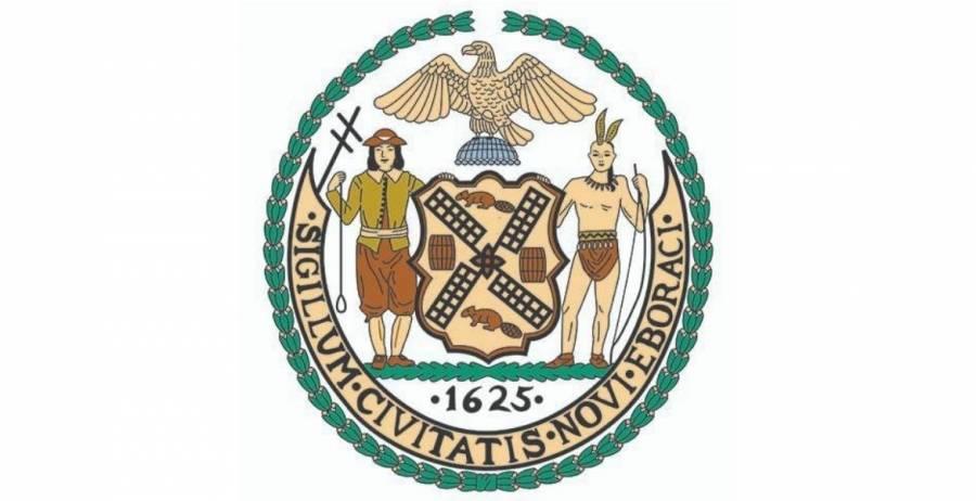 Ciudad de Nueva York estudiará su escudo, incluye a un nativo americano
