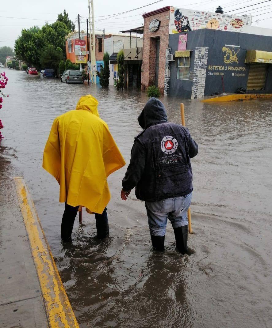 A raíz de las lluvias, brigadas de Protección Civil de Soledad trabajan intensamente
