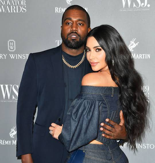 Por revelar detalles privados, Kanye West se disculpa con Kim Kardashian