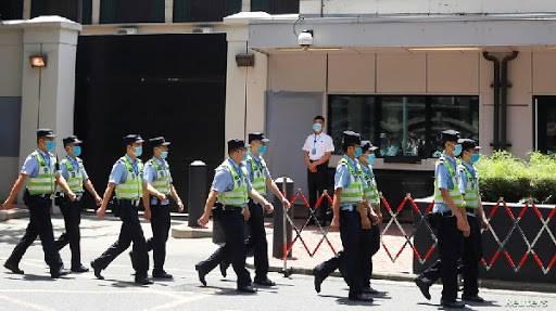 China toma consulado estadounidense en represalia por Houston