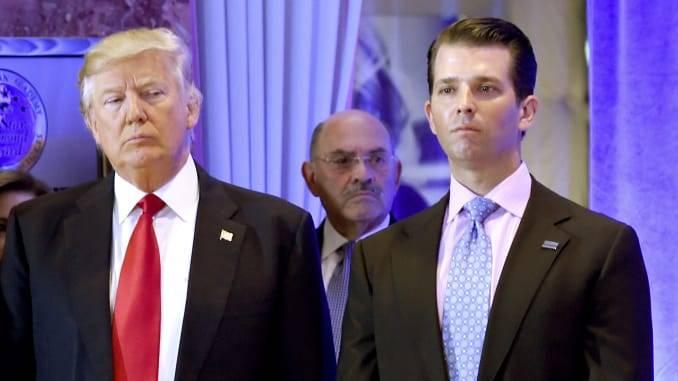 Por desinformar sobre covid-19, Twitter limita acceso a hijo de Trump