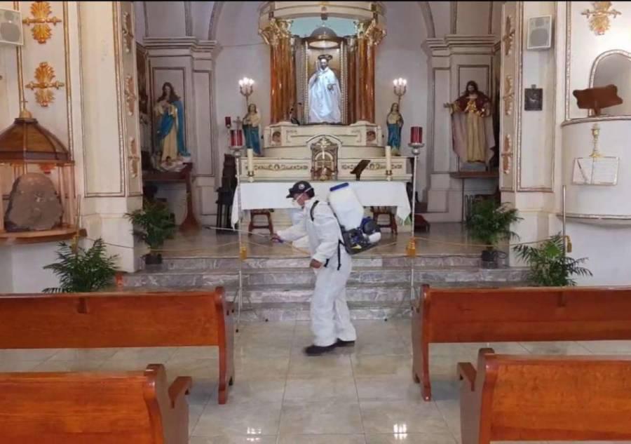 Previo a reapertura, desinfectan iglesias en Xochimilco