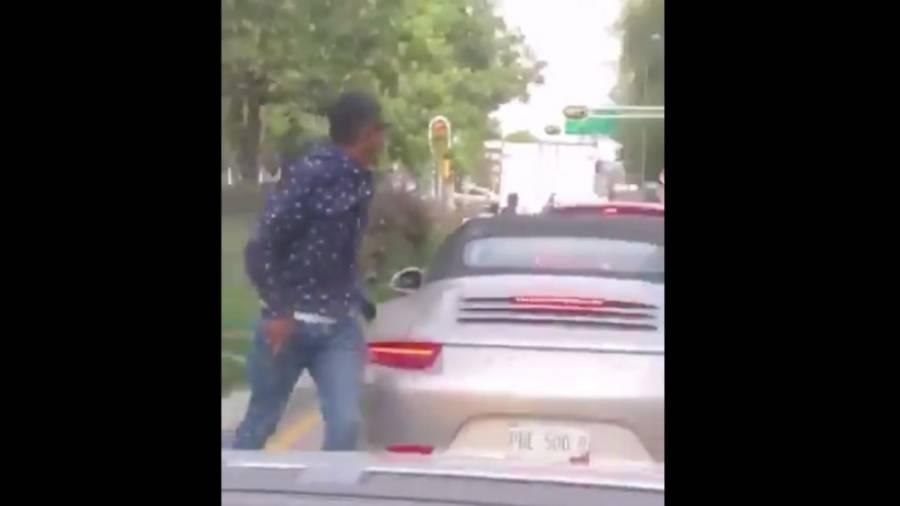 Video: Sujeto asalta en segundos a conductor en alcaldía Benito Juárez