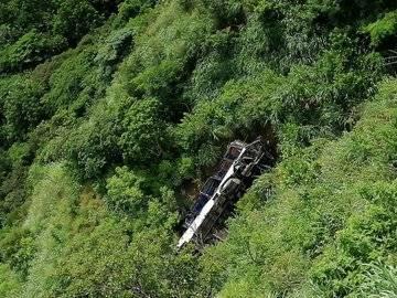 Autobús cae a barranco en Chiapas; se reporta un muerto