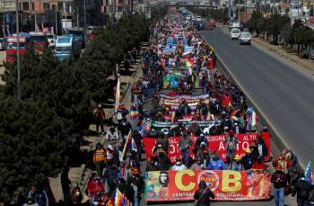 Protestan en Bolivia por postergación de elecciones