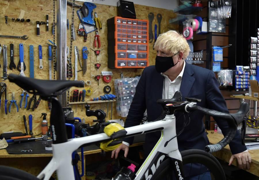 Promueve Johnson ciclismo para perder peso