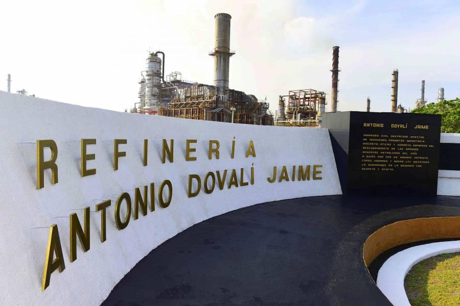 """""""Si me quedo"""", al tercer año es posible otra reforma energética: AMLO"""