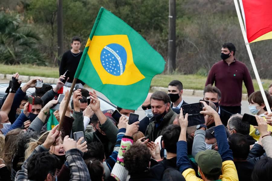 Bolsonaro mantiene planes de viaje pese a tener