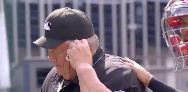 Batazo provoca hemorragia en umpire en el Nacionales-Azulejos