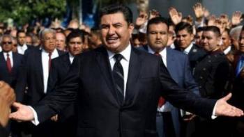 Acusan de nuevo a Naasón Joaquín García por violación infantil