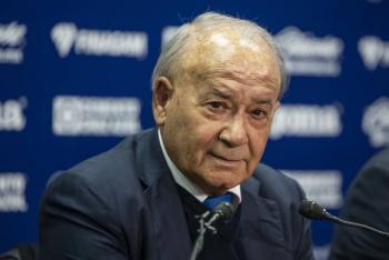 Mediante los medios, Billy Álvarez supo de la orden aprehensión en su contra