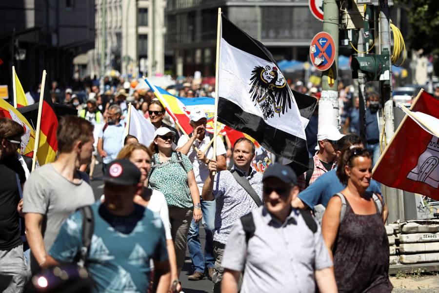 Miles de personas exigen en Berlín poner fin a restricciones por Covid-19