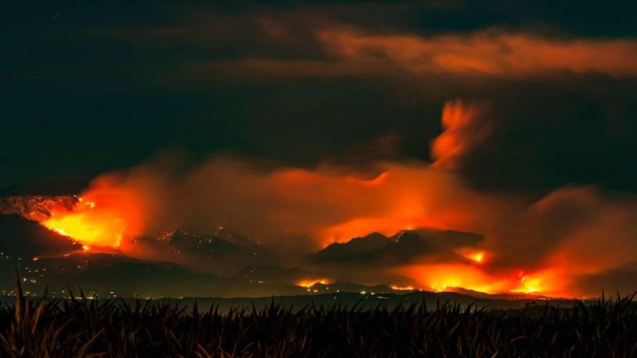 Desalojan a más de 7 mil personas por incendio forestal en California