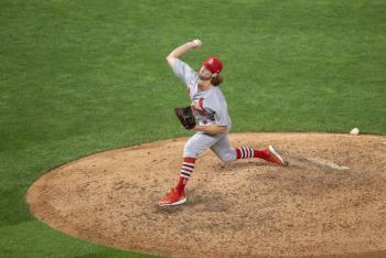 MLB reporta 13 casos de Covid-19 en los Cardinals