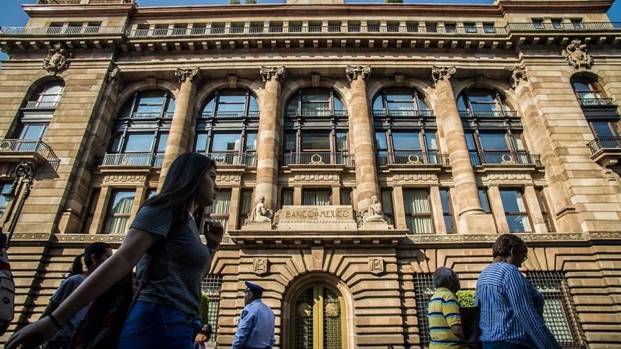 Economía de México retrocederá 9.9% este año