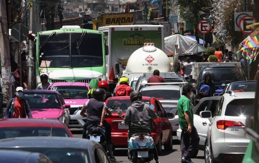 Aumentan casos activos y tránsito vehicular
