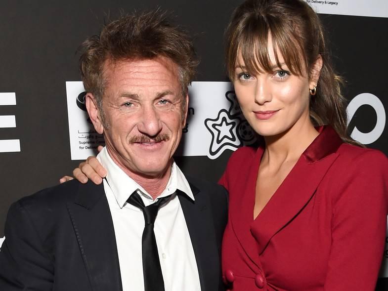 Con 32 años de diferencia contraen matrimonio Sean Penn y Leila George