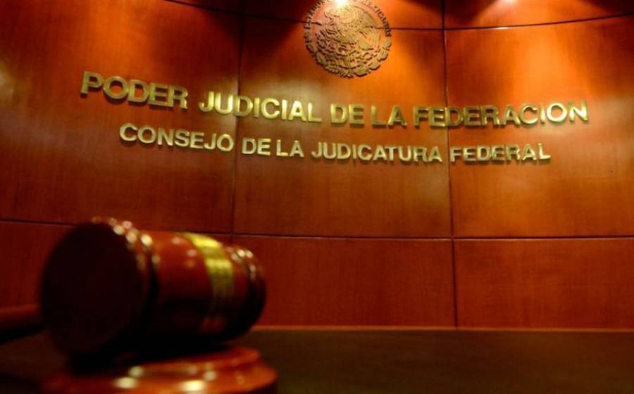 Por presunto abuso sexual, libran orden de aprehensión contra magistrado