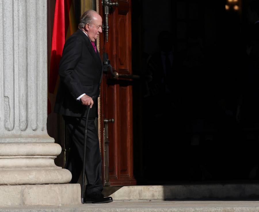 Juan Carlos I, investigado por  corrupción, se va de España